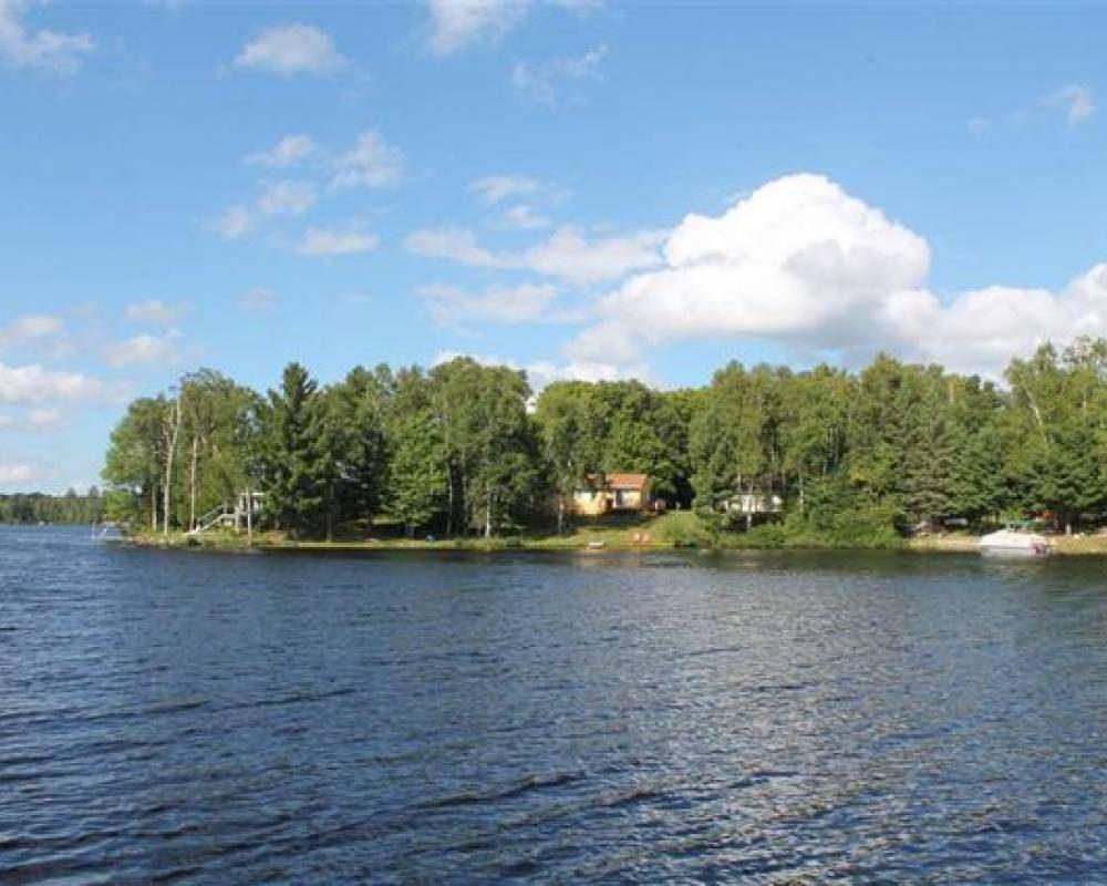 Petticoat Lake Views, Michigan